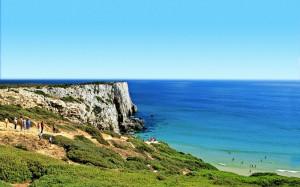 Klippor och strand i Portugal